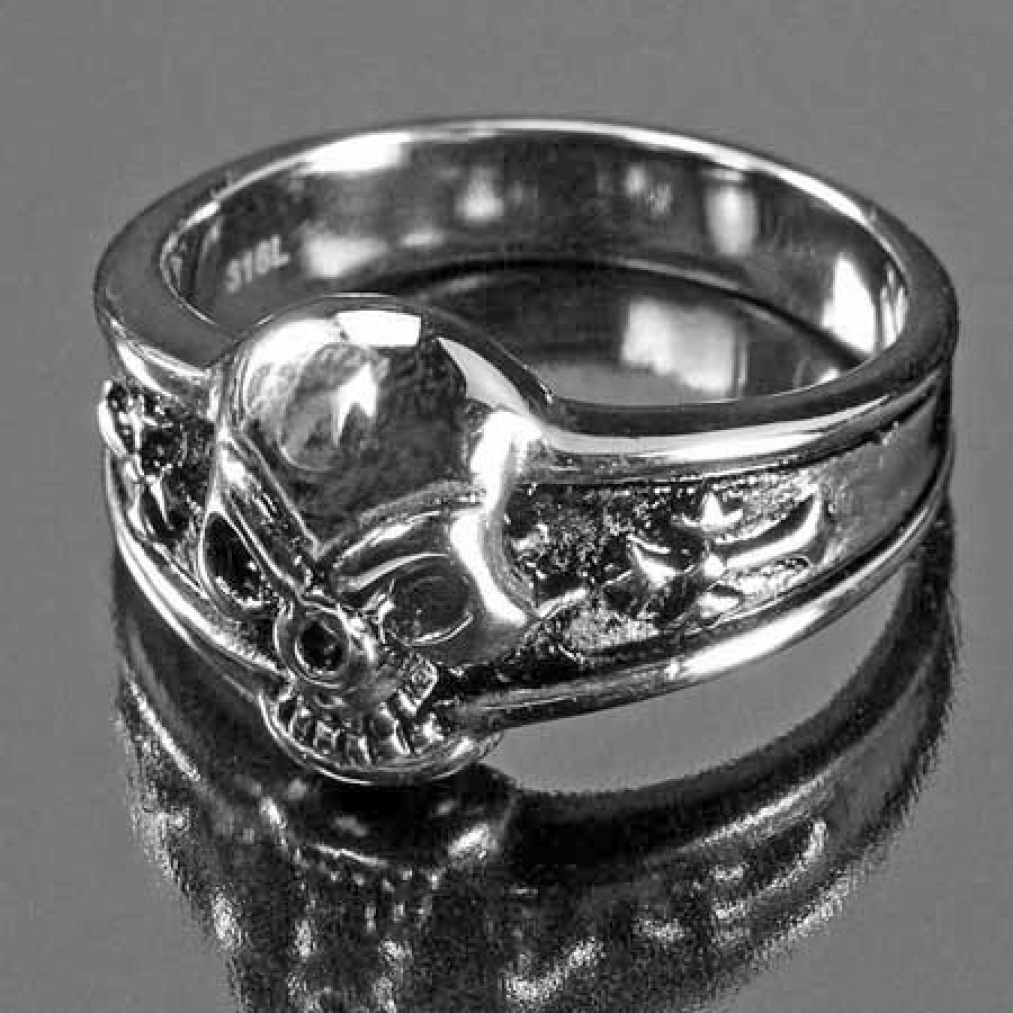 stainless steel ring dark skull skull on the side 2. Black Bedroom Furniture Sets. Home Design Ideas